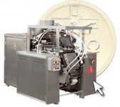 Automatic baking machine